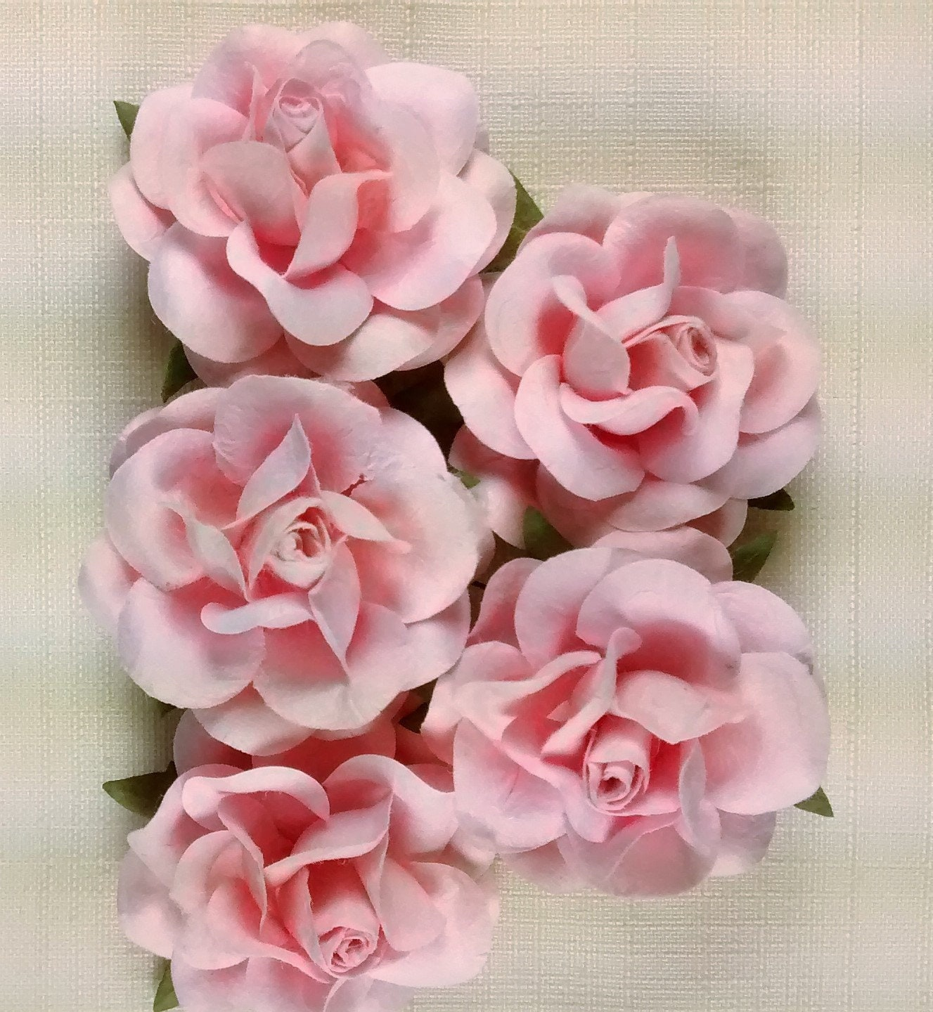 Ff 111 Gorgeous Pink Paper Roses