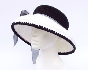 Cloche Hat / 50th Birthday Gift Cloche Hat / Great Gatsby Hat / Black and White Cloche Hat / Church Hat / Tea Party Hat / Audrey Hepburn Hat