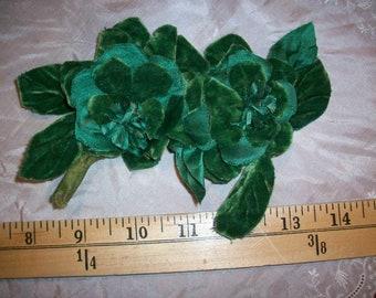 Emerald silk Green antique velvet flowers 1910s.