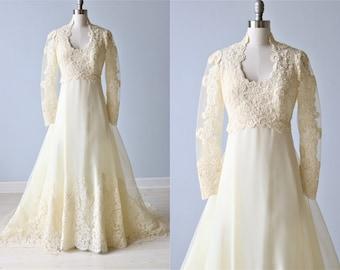 Vintage Long Sleeve Lace Wedding Dress / Chiffon / Collar / Off White / Enchantment