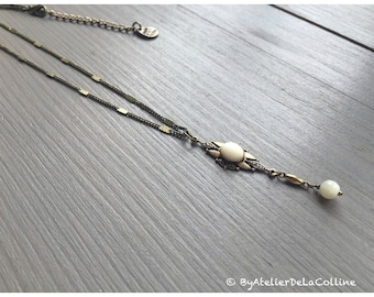Art deco necklace with mother of pearl cabochon, Isolde collection