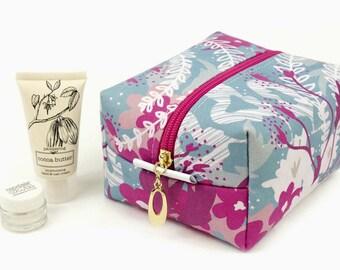 Medium Cosmetic Bag // Make Up Bag In Exclusive Fabric 'Waves' // Toiletry Bag // Floral Print // Cotton bag // Travel Bag // Bridesmaid
