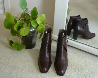 Vintage chic Bally, Italy brown leather ankle boots size 6 (US 8,5)