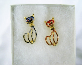 Sassy Vintage Signed Cat Enamel Scatter Pins