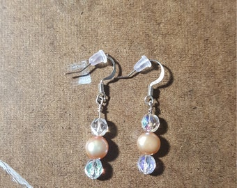 Iridescent Pearl Earring