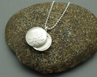 Silver Locket 'Blossom', Pendant, Necklace, Photo Locket, Round, Flower, Floret, Keepsake