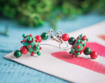Christmas earrings_red green earrings_lampwork glass_dotted pattern_polka dot_natural coral malachite_dangle drop_Christmas coworker gift