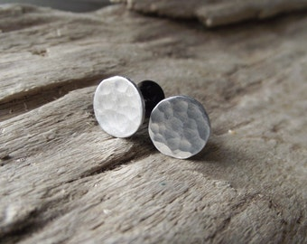 Silver Metal Gauge Plugs Earrings - Choose Size Stretchers- Hammered Aluminum Disks on Black Plastic  2,4,6,0,00,1/2