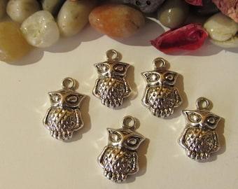 D-02205 - 5 Pendants owl antique silver