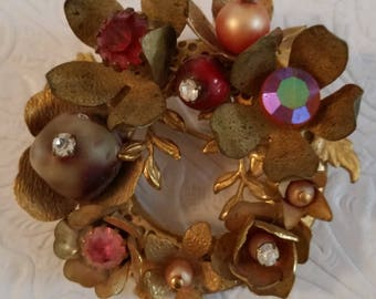 Sweet Floral Wreath Brooch ~ Beautiful Vintage Jewelry
