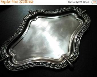 Very old, made of brass material tray, Old tray, small tray, tray brass, perimeter tray, engraved periphery, beautiful stylish tray