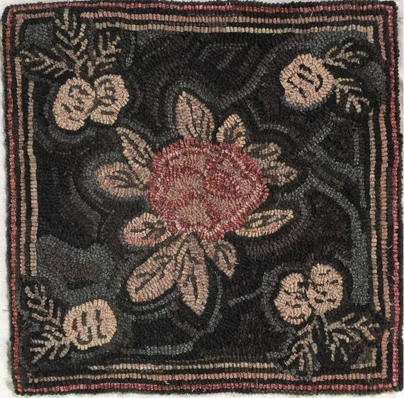 "Rug Hooking Pattern, Pinecone Floral, 20"" x 20"" P155"
