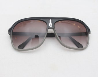 "Rare 90's Vintage ""SPORTS"" Deadstock Large Lens Gradient Aviator Sunglasses"