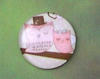ROUND 20 MM GLASS CABOCHON MOUNTED ON A COUPLE OWL PATTERN REF OWL 2