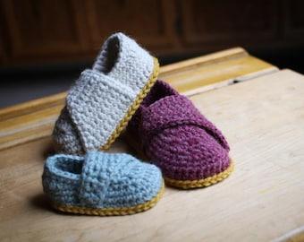 Crochet Pattern - Little Wrap Slippers (newborn to toddler)