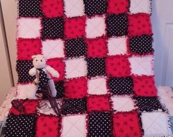 Mickey Mouse ~ Rag Style Crib Quilt