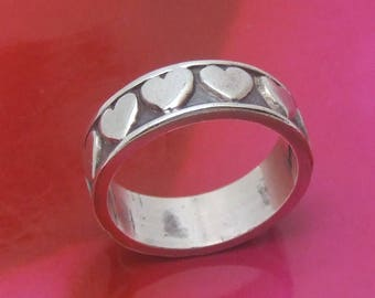 Sterling Silver Wedding Band Size 8.5, Vintage Heart Ring, Unisex Mens Womans Sweetheart Jewelry, Mothers Day Gift Lover Sister