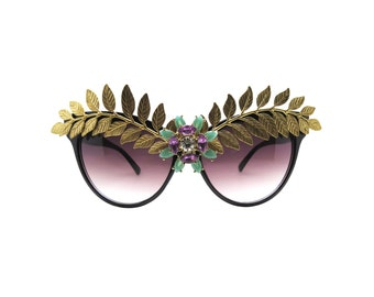 Large Classic Cat-eye Sunglasses with Leaf and Rhinestone details - CASSION