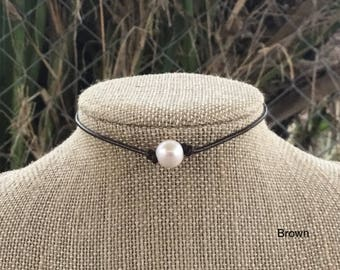 Brown Leather Pearl Necklace, Choker Necklace, Boho necklace, Mother's Day Gift, Bridesmaid gift, June Birthstone, Birthdays gift