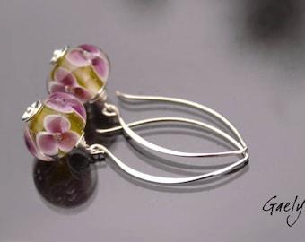 Ker Lila - earrings pearls floral moss green / lilac - silver hooks - bo Gaelys Setup