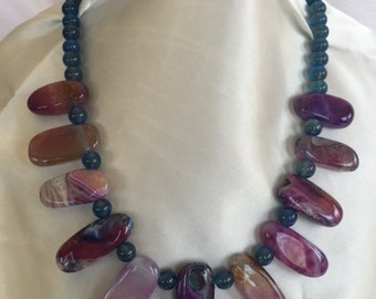Plum-Colored Elongated Drop Agate Necklace
