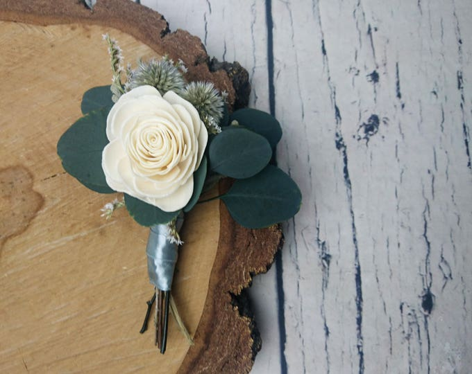 Natural wedding groom's boutonniere preserved eucalyptus ivory sola rose flower gray echinops greenery fall winter vintage elegant silver