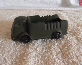 Auburn rubber 1937 International toy truck  in green very good condition