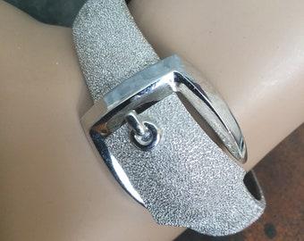 Vintage Trifari Brushed Belt Buckle Hinged Bangle