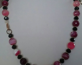 Fuchsia and black agate necklace with silver clasp