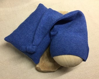 LOU-ISA Blue wool newborn nightcap & Cushion