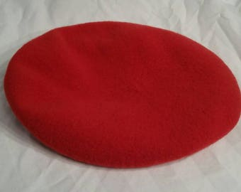 Vintage red wool beret,  tam o shanter large, 22 3/4, Czech Republic