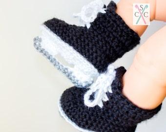 Newborn Ice Skates - Crochet Hockey Skates - Baby Hockey Skates - Gifts Under 25 - Baby Shower Gift - Pregnancy Announcement - Baby Skates