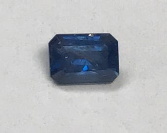 VINTAGE SAPPHIRE YOGO Faceted Dark blue Gemstone emerald cut 0.54 cts fg243