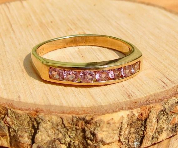 Vintage 9K yellow gold 1/2 Carat pink sapphire ring.