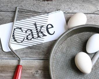 Vintage Cake Breaker, Red Handle, Bakelite, Cake Server