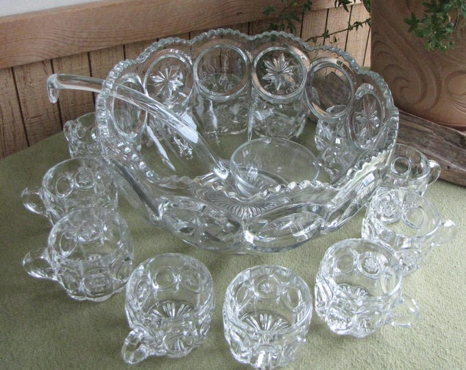 Moon and Stars Punch Bowl Set L.E. Smith Vintage Drinkware Serving Set with Ladle and Set of Twelve (12) Punch Cups