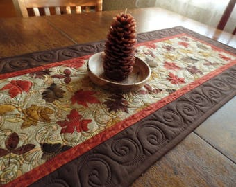 Quilted Leaf Table Runner, Fall or Autumn Table Runner, Thanksgiving Table Runner, Reversible Table Runner, FREE SHIPPING!