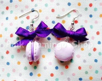 French macarons earrings with purple bow - handmade of polymer clay - sweets jewels gift candies yummy miniature