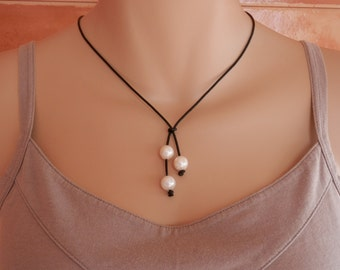 leather pearl choker leather pearl necklace Boho pearl necklace 3 pearl necklace triple pearl leather necklace pearl necklace leather