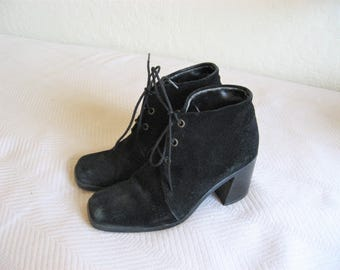 black Suede lace up Ankle boots - sz 5 womens