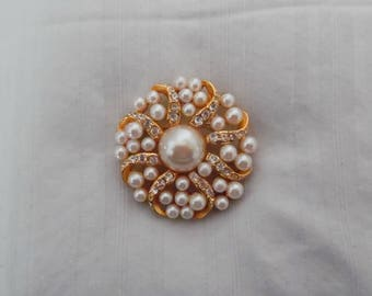 Pearl and Rhinestone Circle Pin