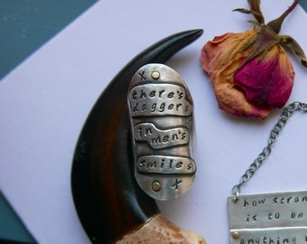 There's Daggers Shakespeare Ring
