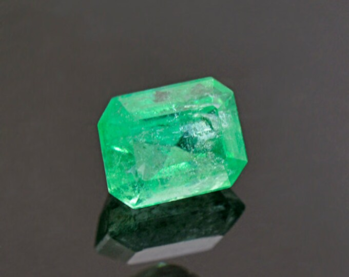 Rich Green Emerald Gemstone from Colombia 0.64 cts.