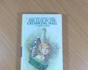 Nancy Drew The Clue in the Crumbling Wall 1974