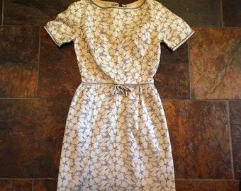 L'AIGLON EYELET wiggle DRESS 1950's 50's xxs (D4)