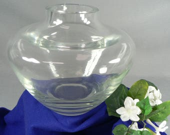 Art Glass Vase Thick Walled Decorator Style 04287