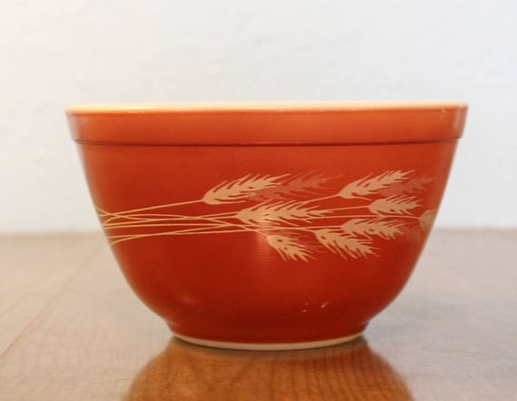 Vintage Pyrex Autumn Harvest 401 Mixing Bowl ~ Red Autumn Harvest ...