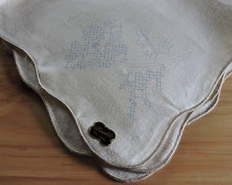 VIntage Linen Napkins, 8 Printed Linen Napkins, 8 Stamped Embroidery Napkins, Bucilla Stamped VIntage Linen Napkins not Embroidered