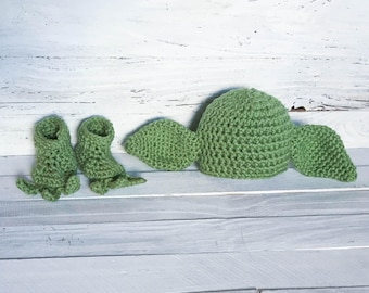 Yoda - Yoda Outfit - Yoda Hat - Yoda Booties - Hat - Booties - Star Wars - Newborn - Baby - Photo Prop - Costume - Star Wars Costume