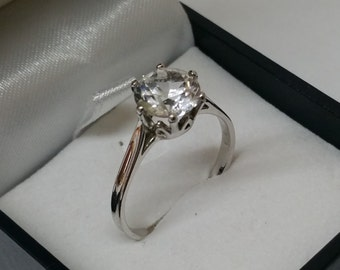 925 Silver ring with Crystal stone 18.5 m, size 8.3 SR564